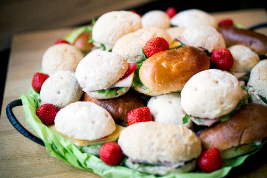 verrassingsbroodjes,beleg,lunch,receptie,feestje